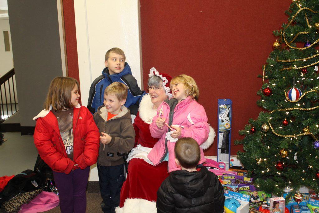 Pittsburg Parks & Recreation to host Holiday Craft Fair & Santa's Workshop