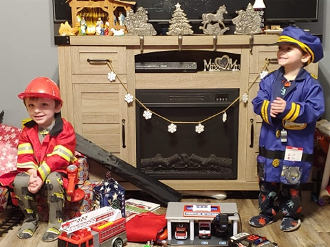 Pittsburg police and firefighters surprise twin boys on their birthday
