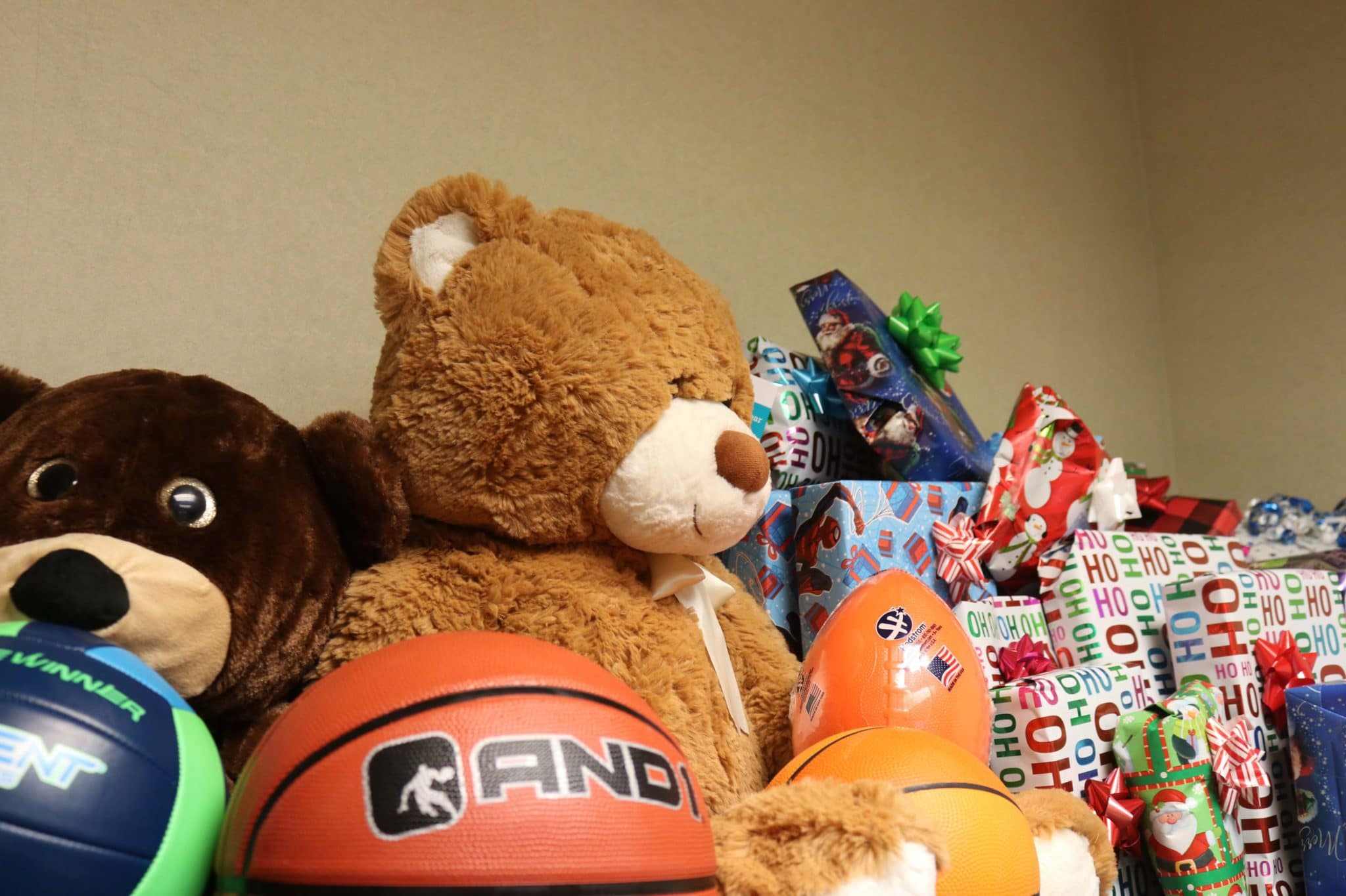 Family Resource Advocate Program delivers Christmas gifts to children in need